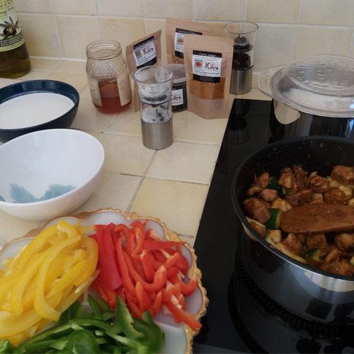 Poulet au coco et curry rouge